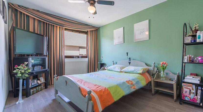 180-Masternbedroom