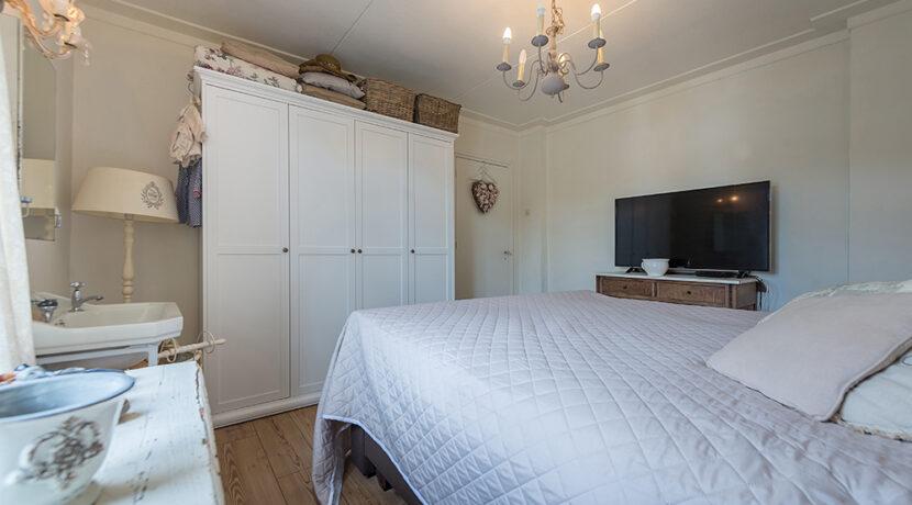 182-Masterbedroom1-2